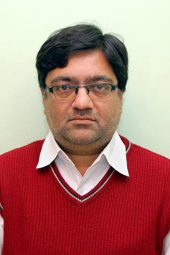 Dr Mayank Maniar1